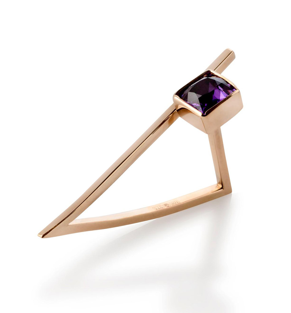 Myriam Soseilos - Ring, gold, amethyst