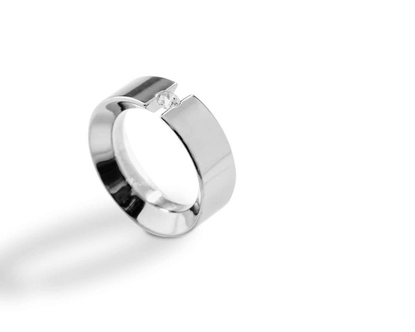 JeS-tianium Design - Anello in titanio lucido e diamante